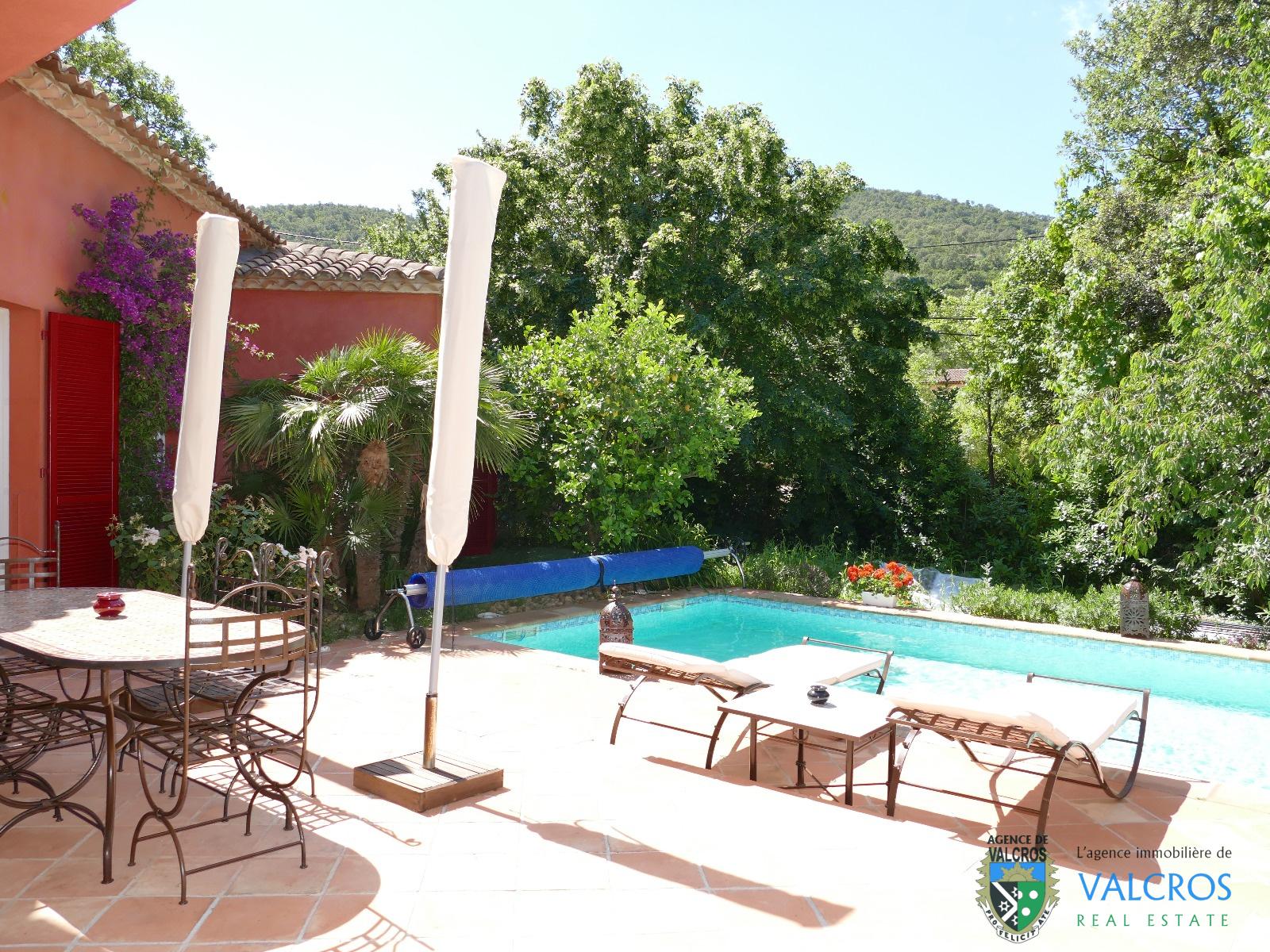 Vente a vendre maison t5 avec piscine hy res les borrels for Piscine hyeres